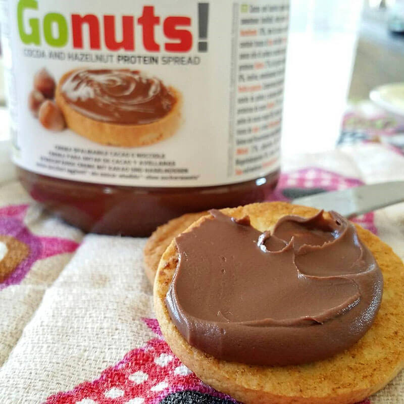 Gonuts crema splalmabile con il 25% di proteine fitnesspro